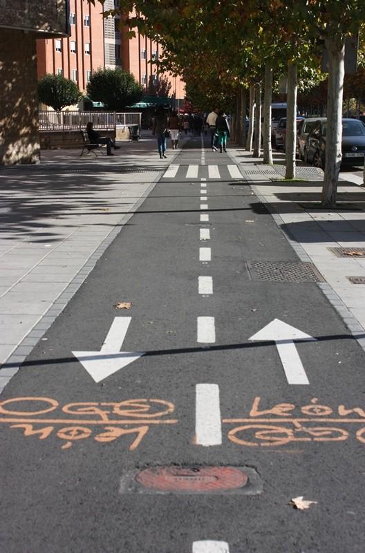 Carril bici de dos sentidos. León. LeleSorribas2012