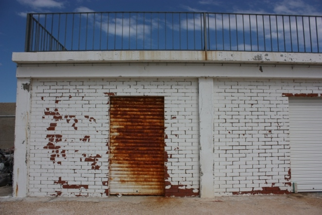 Puerta oxidada en el puerto de L'Ampolla. Tarragona. LeleSorribas2013